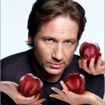 How To Seduce Beautiful  Women Like Hank Moody Does…