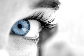 oeil-bleu-sexy