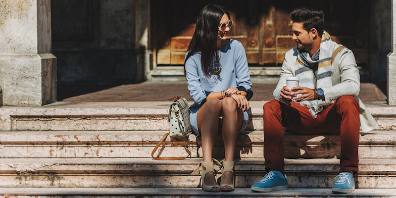Aborder Une Fille : 10 Phrases D'approche